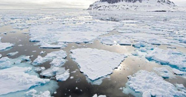 Luptă tăcută între SUA, China și UE pentru zonele bogate în hidrocarburi de la Polul Nord