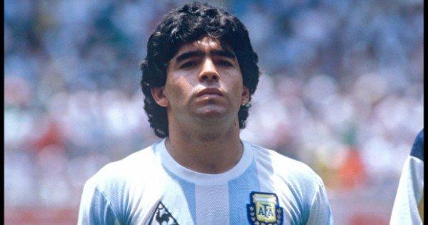 Legenda fotbalului Diego Maradona a murit la vârsta de 60 de ani