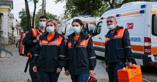 (video/foto) Reality show documentar despre munca medicilor și polițiștilor din Moldova, pe timp de pandemie