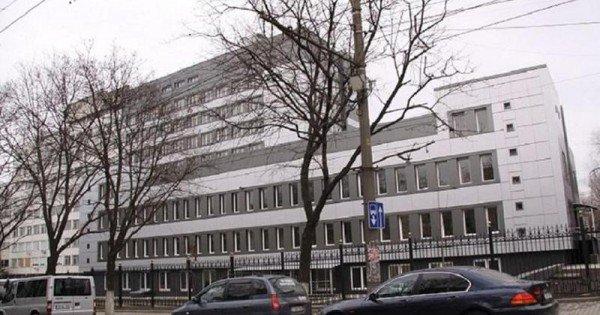 Un bărbat a murit după ce s-a aruncat în gol de la etajul cinci al Spitalului de Urgență