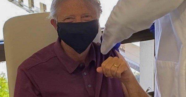 /FOTO/ Miliardarul Bill Gates s-a vaccinat împotriva Covid-19
