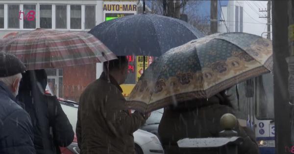 /VIDEO/ Iarna nu se lasă dusă nici în luna aprilie. În mai multe localități din țară a nins