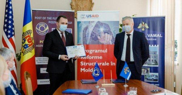 """Serviciul vamal a conferit """"Poștei Moldovei"""" statutul de agent economic autorizat: Este prima instituție cu un asemenea statut"""