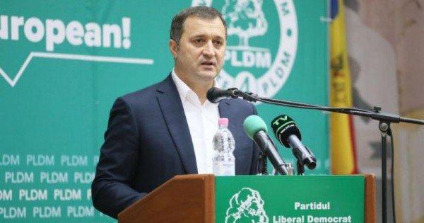 """Motive personale"". Vlad Filat a renunțat la funcția de președinte al PLDM"