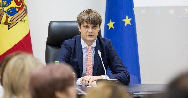 Secretarul general al Președinției, Andrei Spînu anunță că a degrevat din funcție