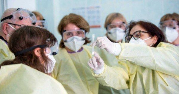 Peste 130 000 de persoane din Moldova au fost vaccinate împotriva COVID-19 cu prima doză a vaccinului