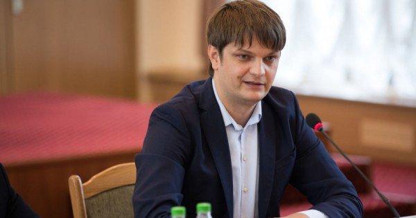 Andrei Spînu a degrevat din funcția de secretar general al președinției pentru a participa în campania electorală alături de PAS