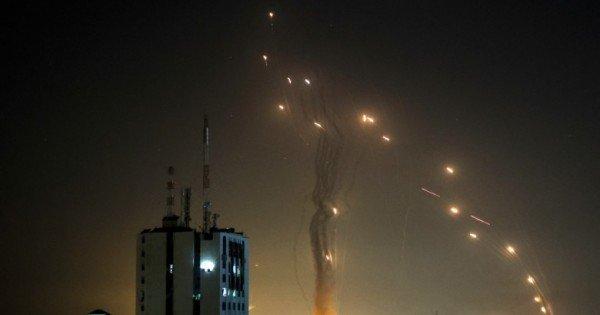 (video) Violențele din Israel continuă. Noi tiruri de rachete au fost lansate de Hamas după raidurile în forță din Fâșia Gaza