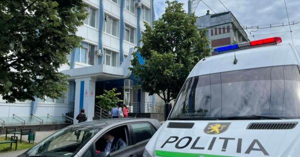 Alerta cu bombă de la Judecătoria Chișinău, sediul Buiucani, s-a dovedit a fi falsă