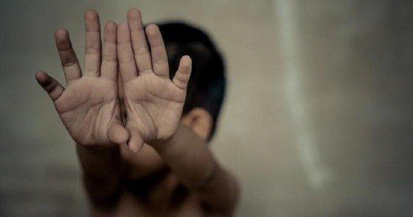 Un tată își va petrece restul vieții după gratii, după ce și-a abuzat timp de doi ani fiicele minore