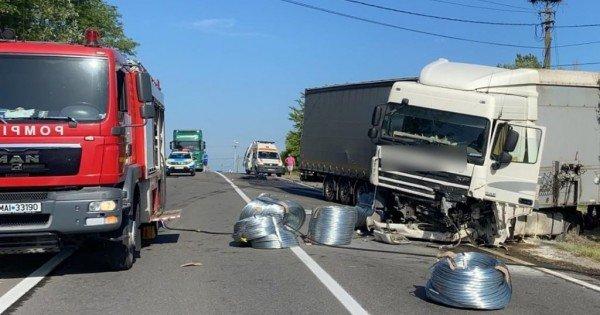 Trei moldoveni, morți într-un grav accident produs azi în România! Un minor de 6 ani – printre cei decedați