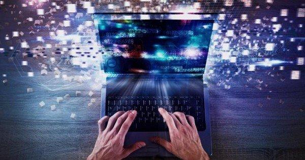 """Rusia """"s-a deconectat cu succes"""" de la internetul global"""