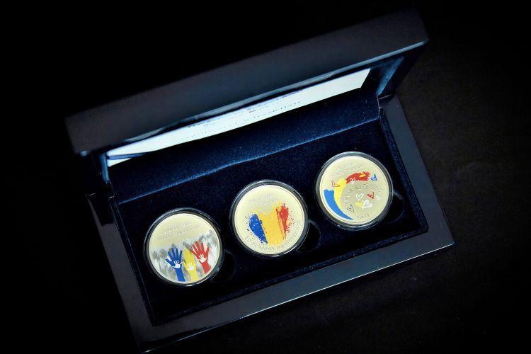 Нацбанк ввел в обращение памятные монеты в честь 30-летия независимости Молдовы