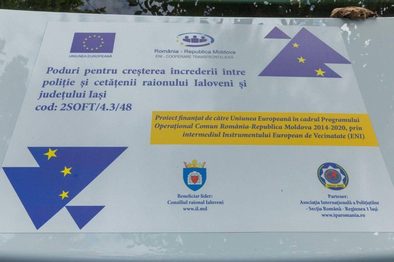 FOTO // Trei mașini de poliție și echipament IT, transmise IP Ialoveni în cadrul unui proiect comun cu județul Iași