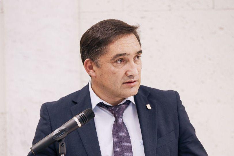 Против генпрокурора Александра Стояногло завели уголовное дело. Ему грозит отстранение от должности