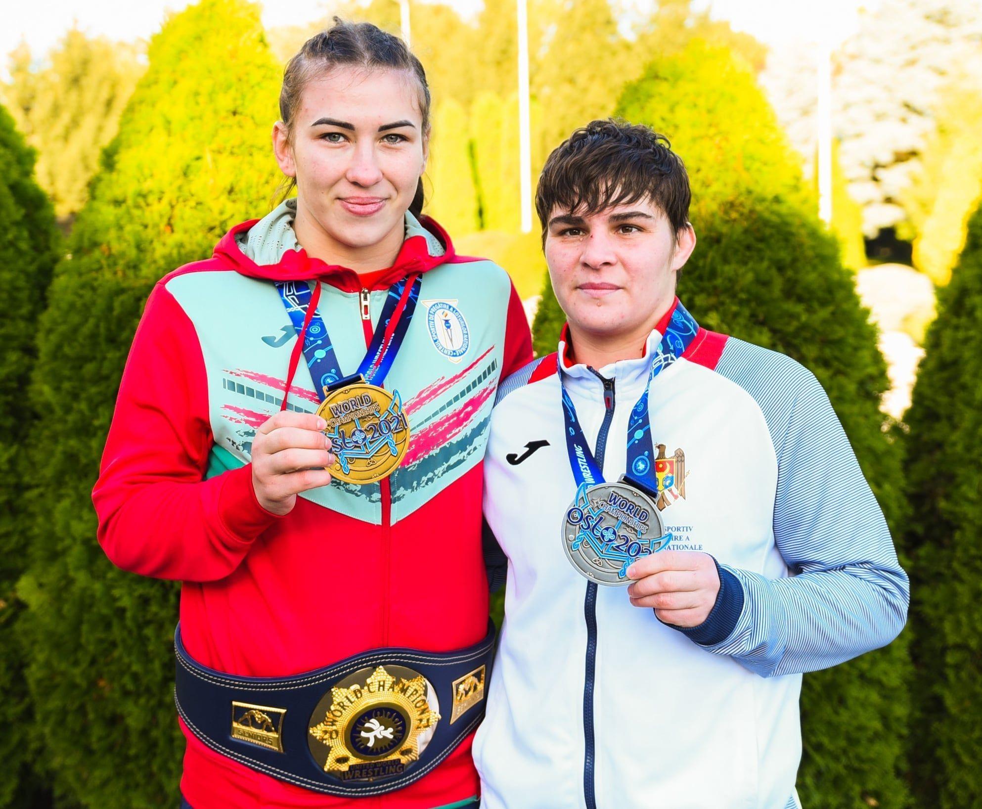 Diplome și premii bănești din partea Primăriei Chișinău pentru sportivii Irina Rîngaci, Iulia Leorda și Victor Ciobanu